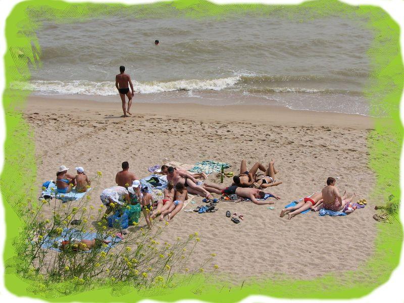 Пляж возле пансионата NovopetrovkA